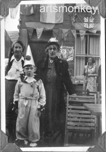 Cecil and his wife and son (Roger) in Pennyfarthing Street