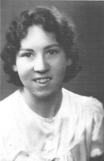 This photograph of Phyllis Maple was taken when she was twenty-one years of age. | Photograph by kind permission of the Maple family
