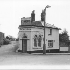 The Railway Inn / The Dusthole, in 1966.  | With kind permission of Salisbury and South Wiltshire Museum © Salisbury Museum