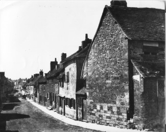 A view looking down Winchester Street towards the City centre. It is unclear when the photo was taken. | With kind permission of Salisbury and South Wiltshire Museum © Salisbury Museum