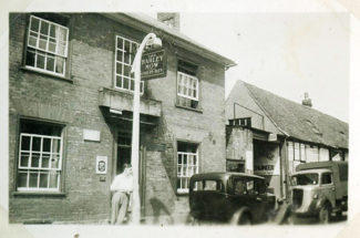 The Barley Mow in 1947 | Andy Gray
